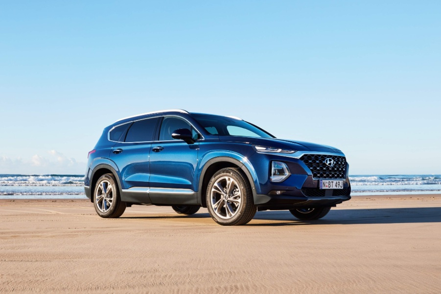 Best Small Suvs 2020.Santa Fe Wins 2020 Drive Large Suv Of The Year Hyundai