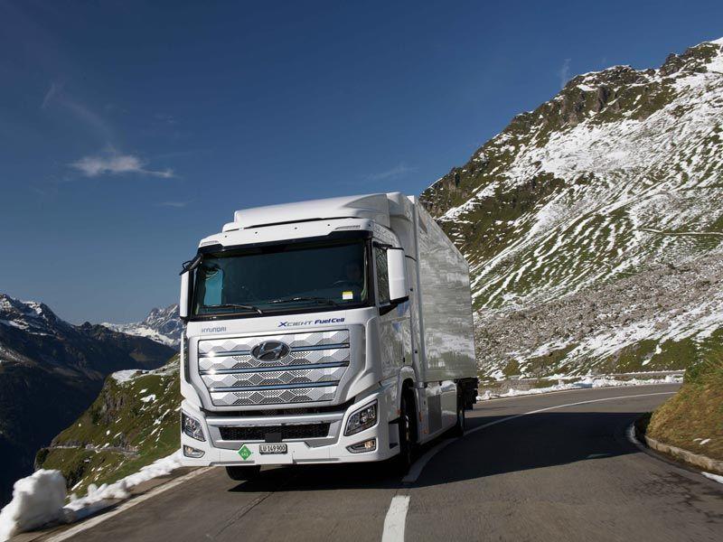 Hyundai_XCIENT-Fuel-Cell-Truck_01_800x600.jpg