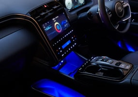 Hyundai_Tucson_Interior-masonry_LED-ambient-lighting_285x200.jpg