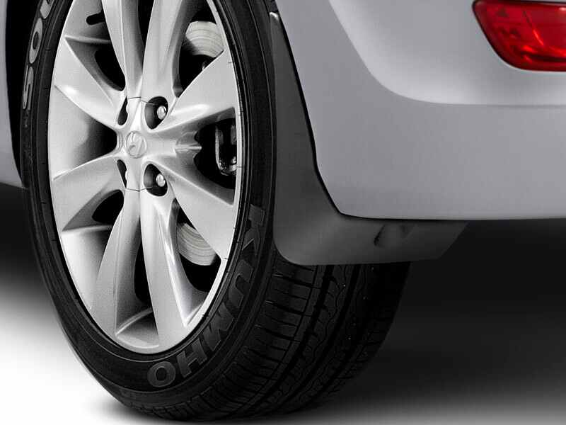 hyundai_accent_accessories_rearmudflap_800x600.jpg
