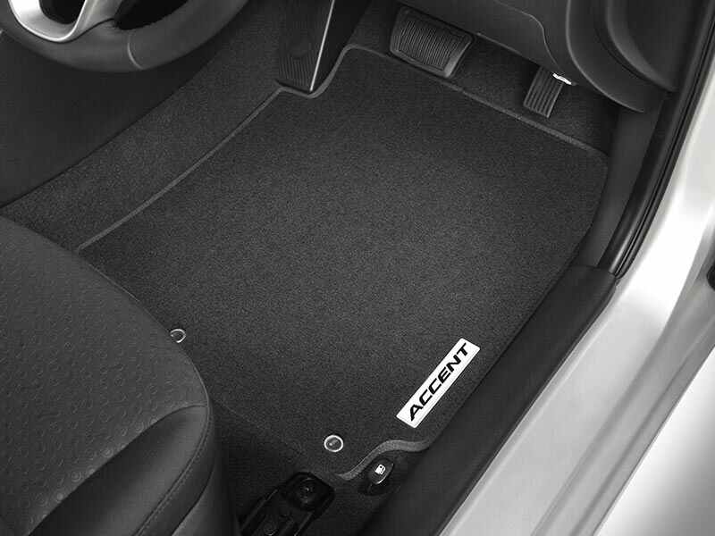 hyundai_accent_accessories_tailored_carpet_floor_mats_800x600.jpg