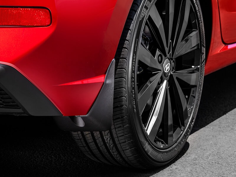 Hyundai_Accessories_i30Hatch_Rear-Mudflaps_800x600.jpg