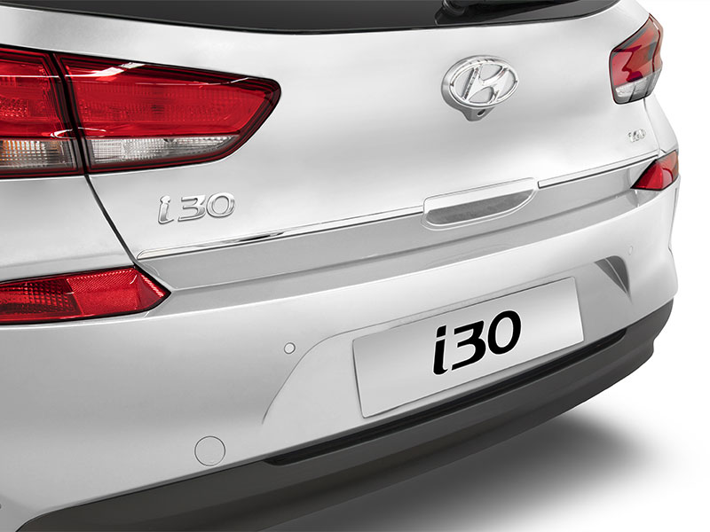 i30_accessories_PDi30-White-Euro-Chrome-tail-strip_800x600.jpg