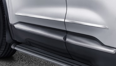 Hyundai_SantaFe_Accessories_side_door_trim_ines_369x210.jpg
