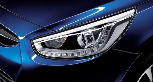 Left side headlight of blue Accent