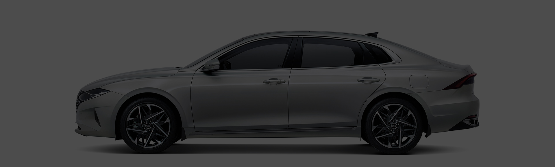 Azera exterior side design