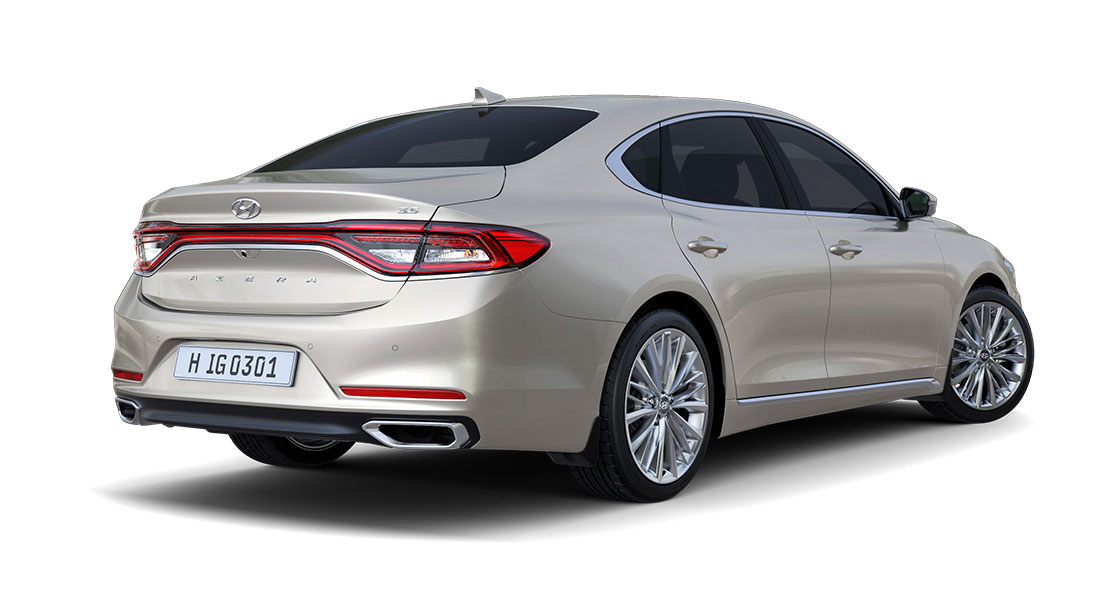 Side view of luminous beige Azera