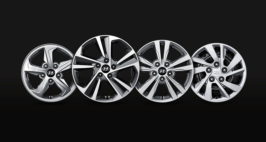 Four different design of alloy wheels