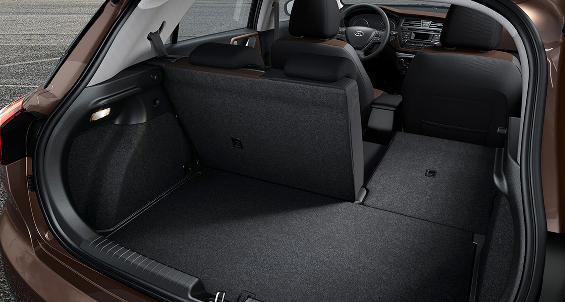 i20 cargo space with right rear seat folded