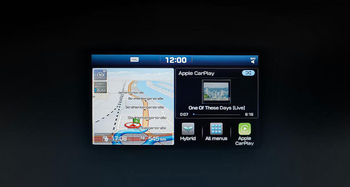 Apple Car Play screen and android auto screen