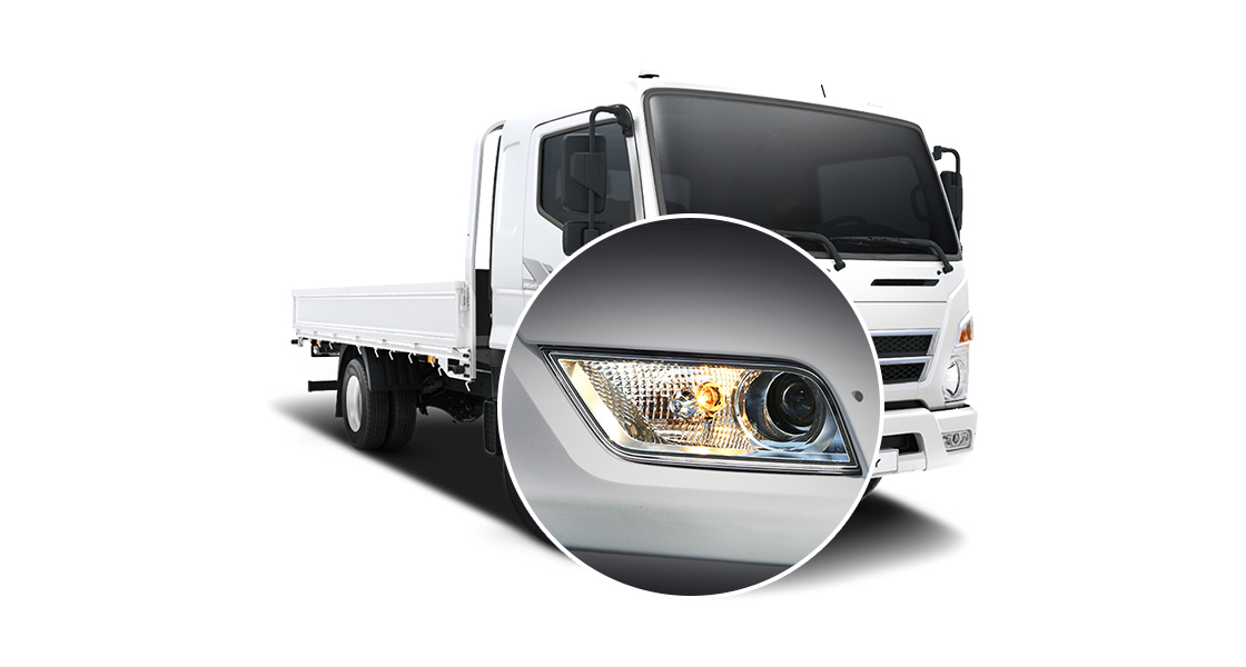 Closer view of right side projection fog lamp