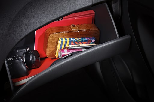 Objects stored in the glove box