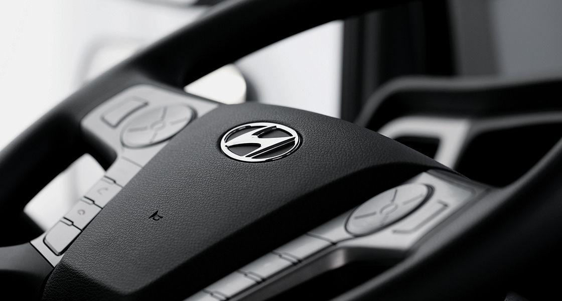 Ban chỉ đạo với logo Hyundai Motor Company