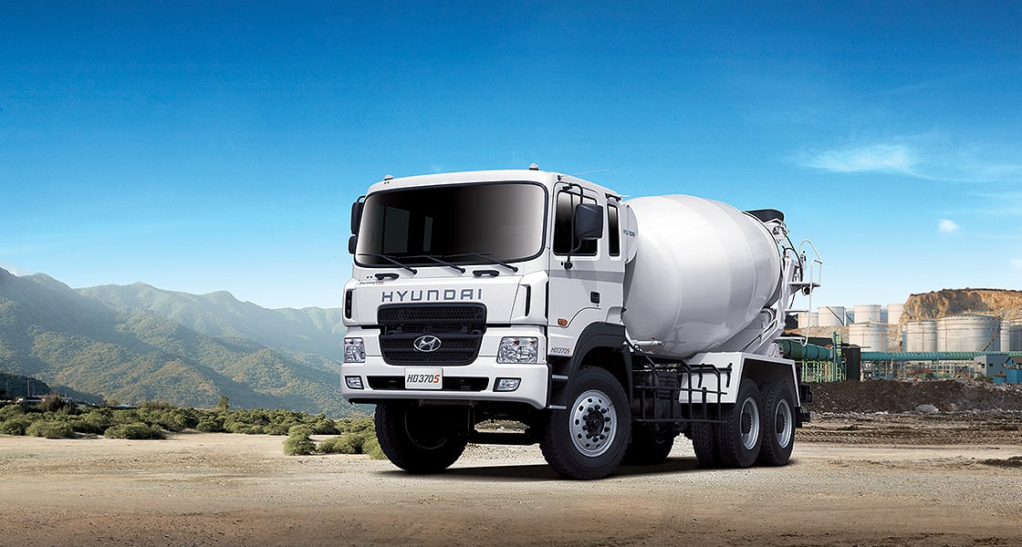 front view of HD370 9m³ mixer truck
