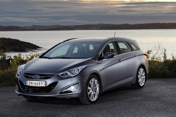 Hyundai i40 Continues Its Winning Ways On First Birthday 2