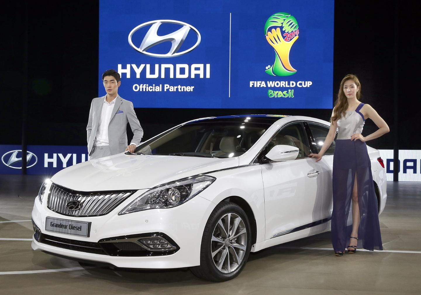 Hyundai Motor Strengthens Large Sedan Line ups at the 2014 Busan International Motor Show 3