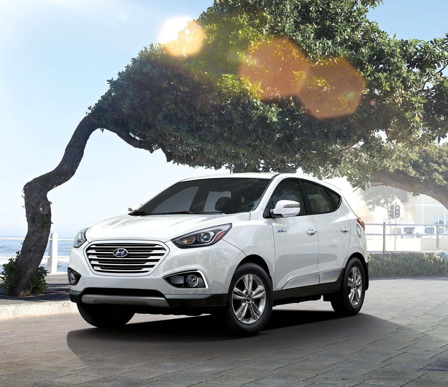 HYUNDAI HANDS KEYS TO FIRST FUEL CELL CUSTOMER IN AMERICA