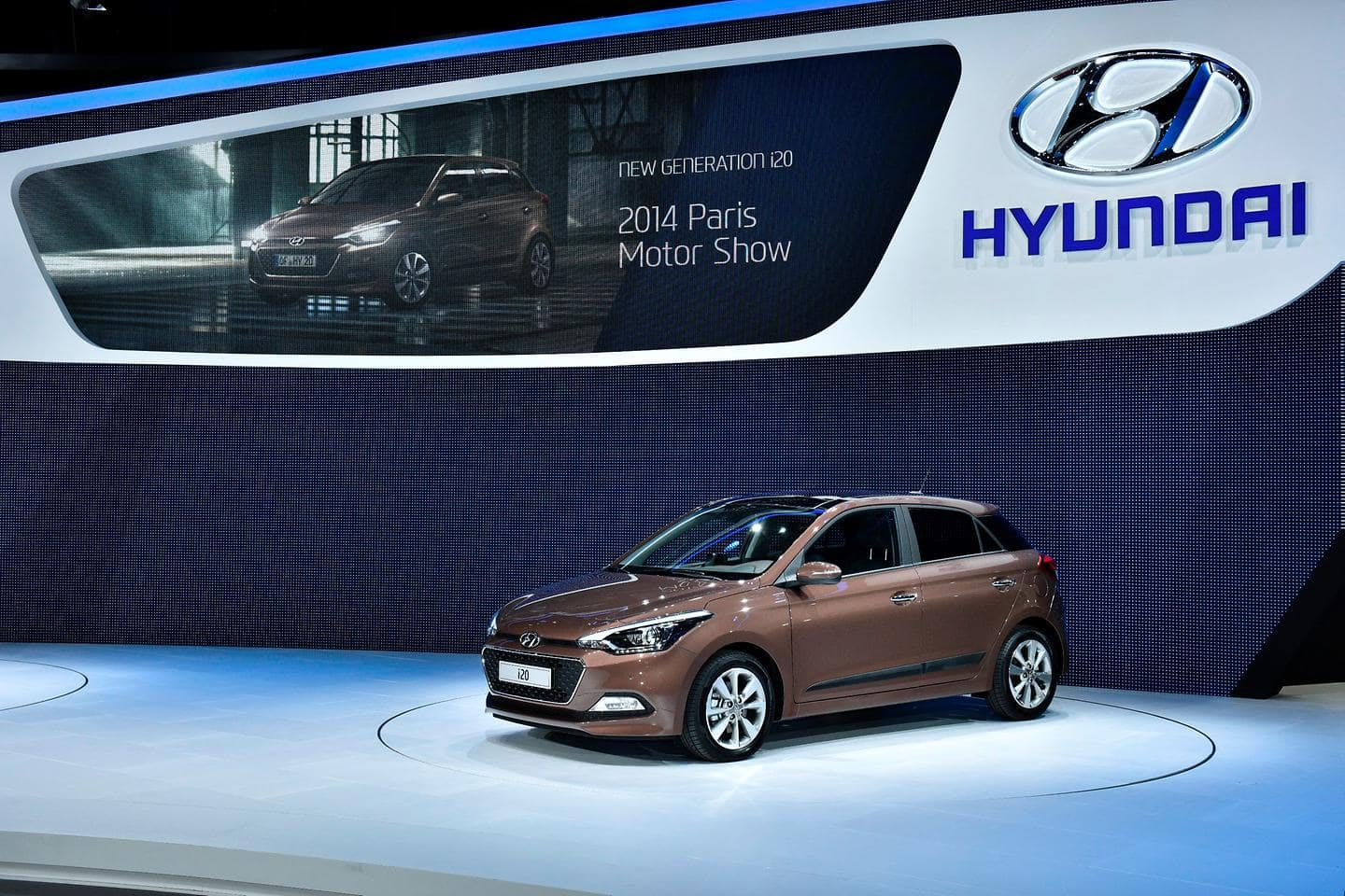 Hyundai Motor showcases fuel efficiency technologies at Paris Motor Show 2014
