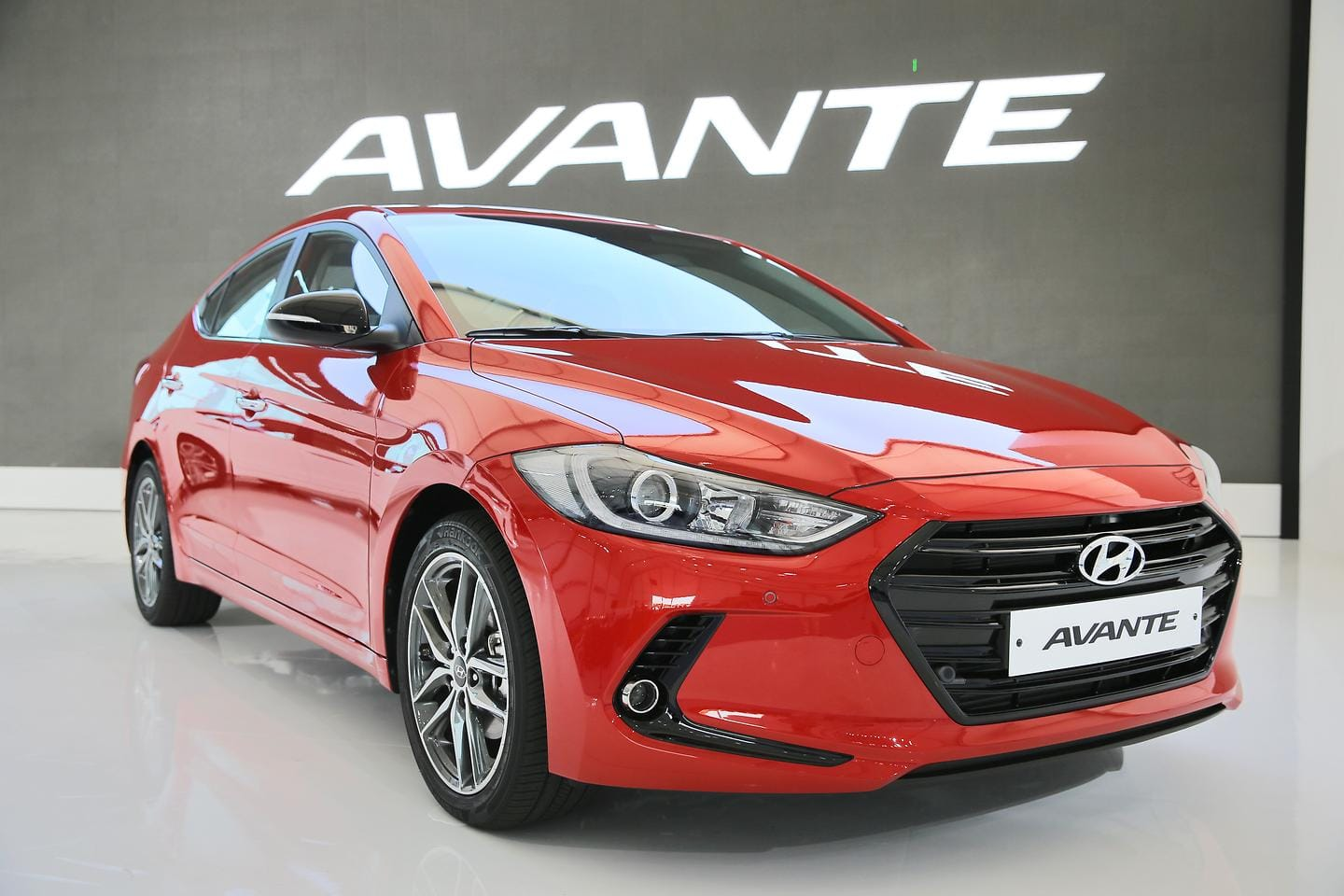 Hyundai Motor Holds World Premiere of All-new Elantra in Korea (17)
