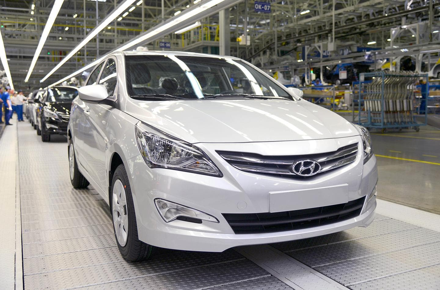 Hyundai Motor Manufactures One Millionth Car at Its Plant in Russia (2)