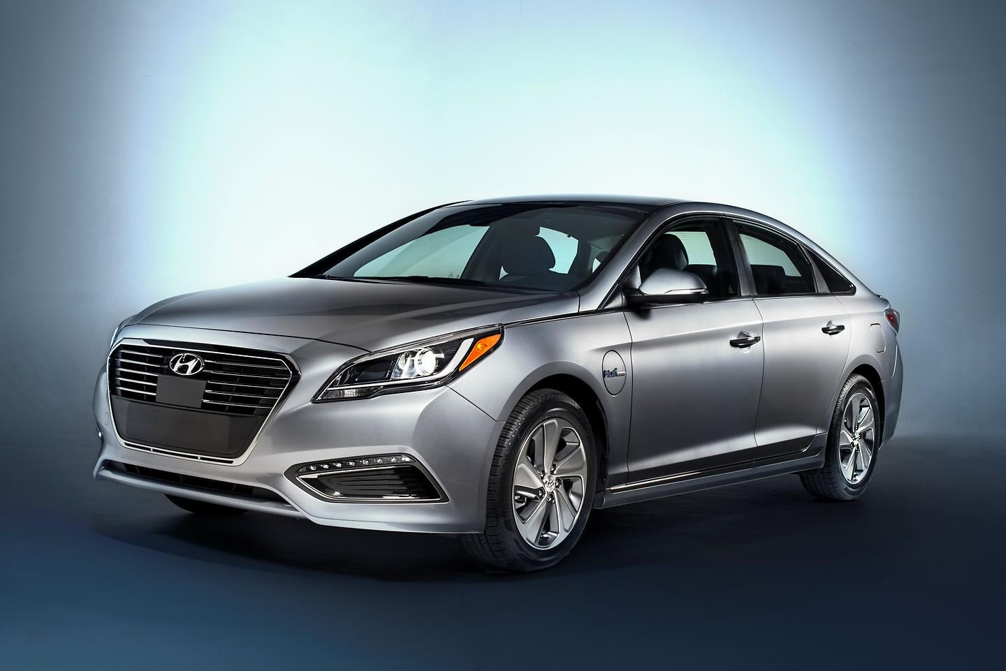 Hyundai Sonata Named 2016 Green Car of the Year Finalist
