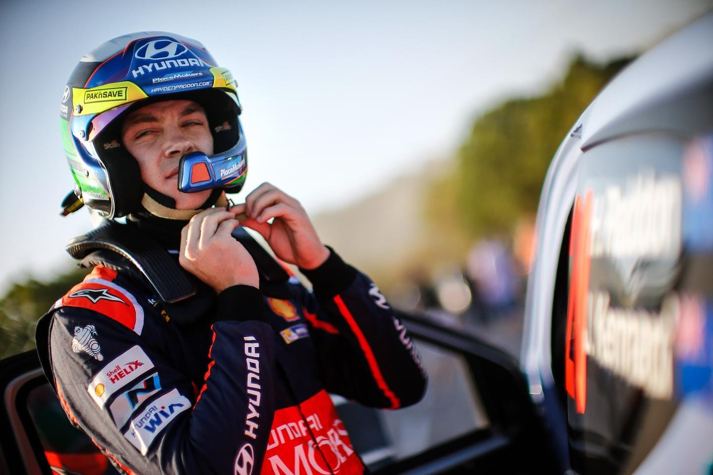Hyundai Motorsport confirms three-year contract with Hayden Paddon from 2016
