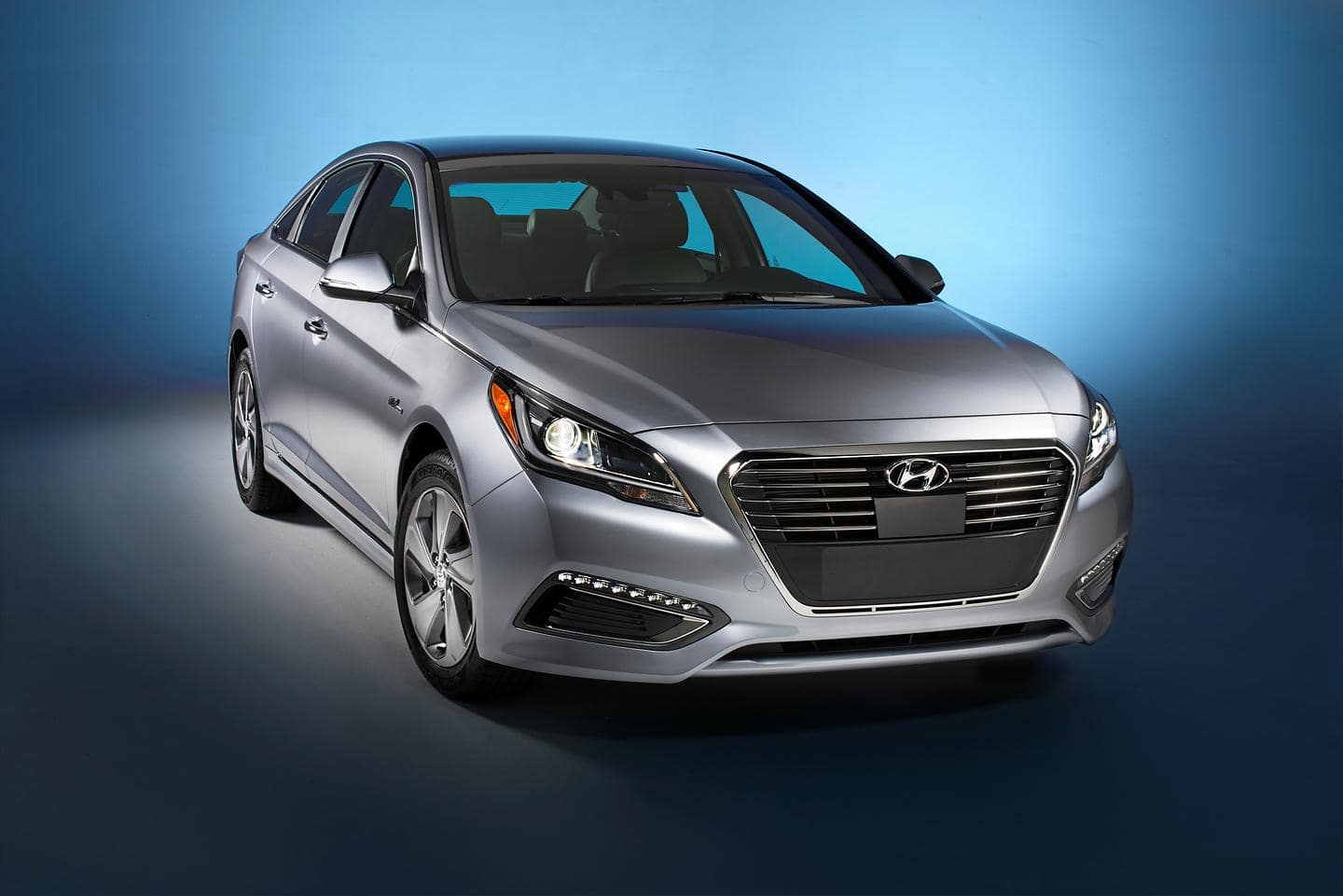 Hyundai Motor's Advanced Powertrain of 2016 Sonata Plug-in Hybrid Named to Ward's 10 Best Engines List