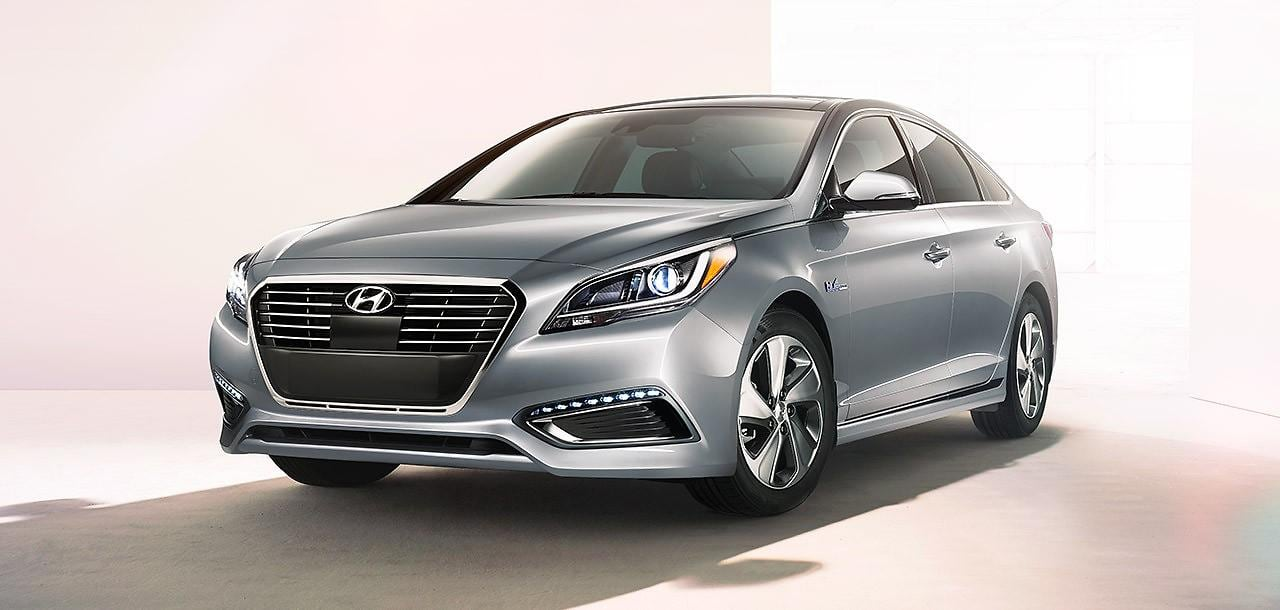 Sonata Hybrid Receives Best New Car Award from Good Housekeeping and Car and Driver Magazines