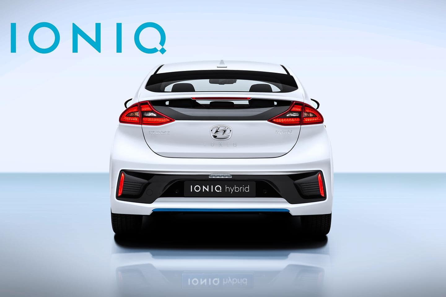 IONIQ Hybrid with Logo (6)