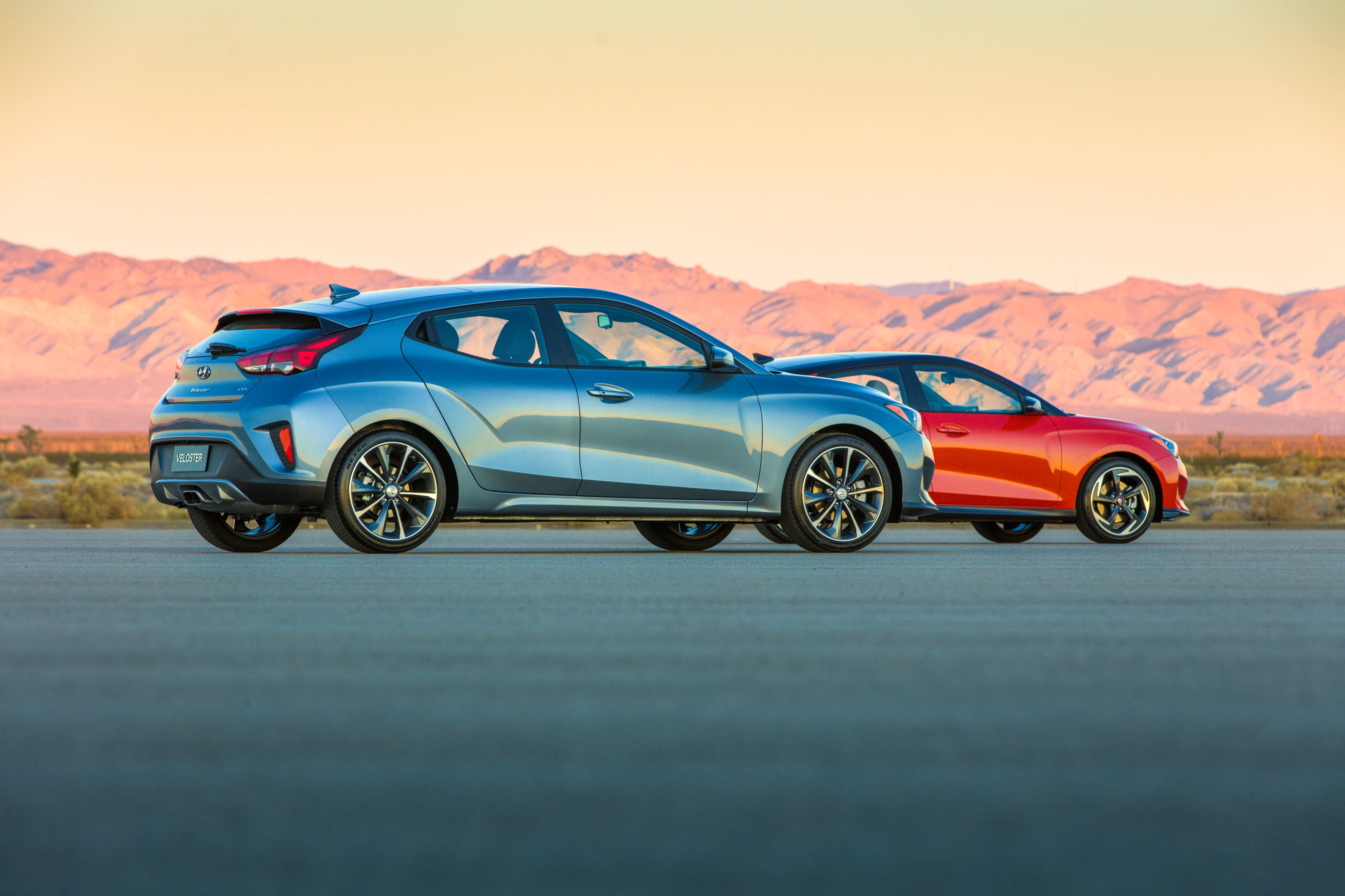 Hyundai Reveals All-New 2019 Veloster and Veloster Turbo