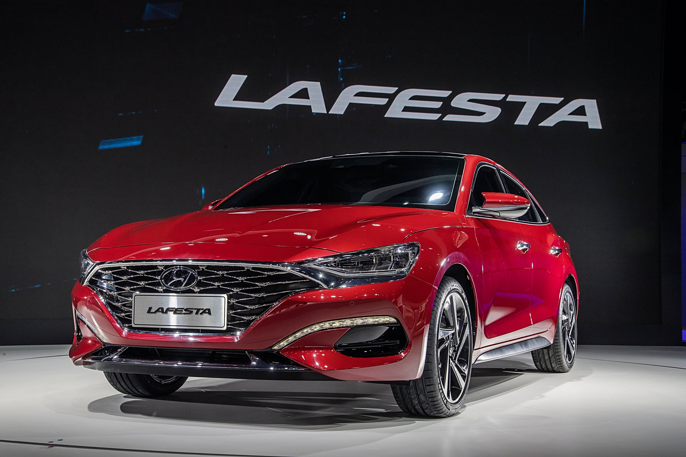 Hyundai Motor Premieres China-Focused Sporty Sedan LAFESTA at Beijing Auto Show