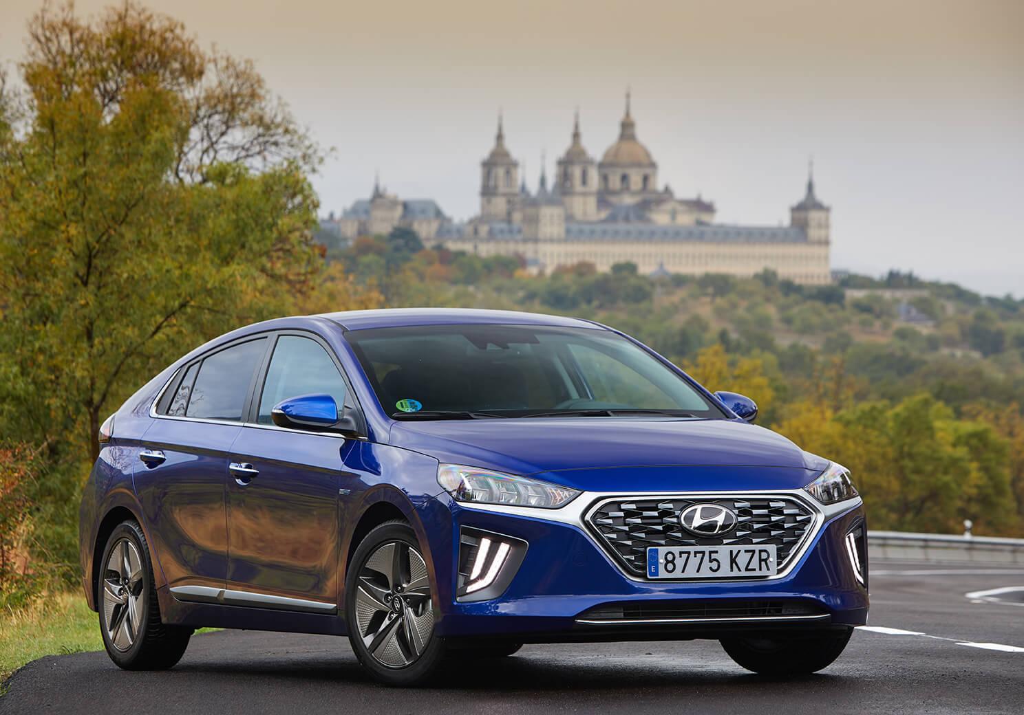 Hyundai IONIQ hibrido: el coche HEV que estabas esperando