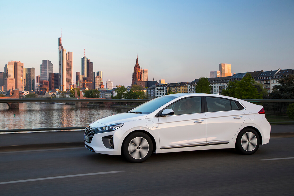 Hyundai IONIQ híbrido enchufable: conoce las novedades del PHEV