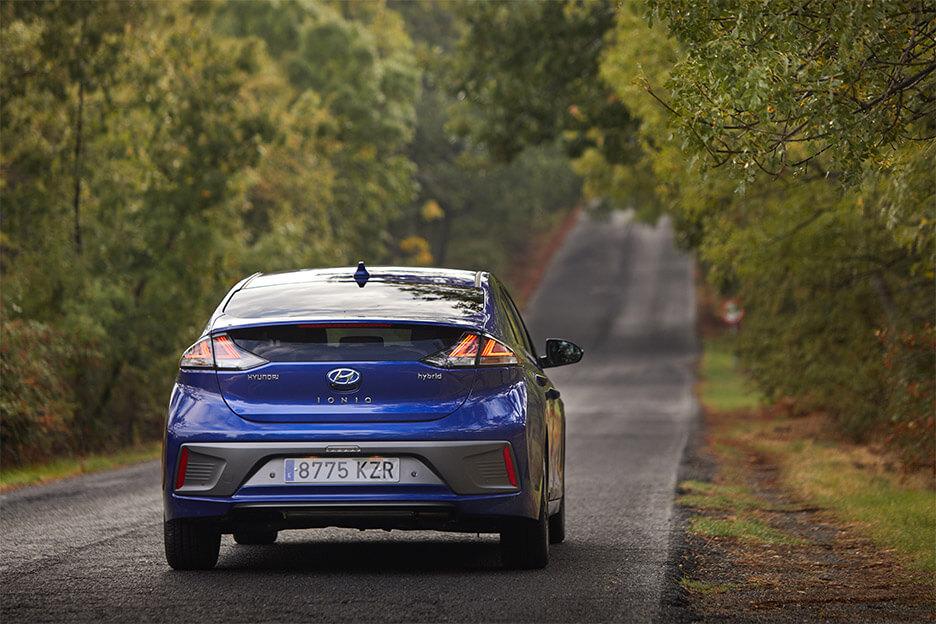 ¿Cuál es el consumo real de un coche híbrido?