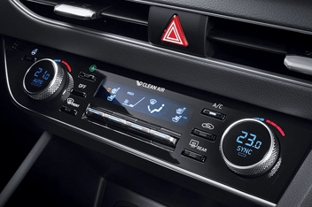 Sonata Dual-zone full automatic air conditioning